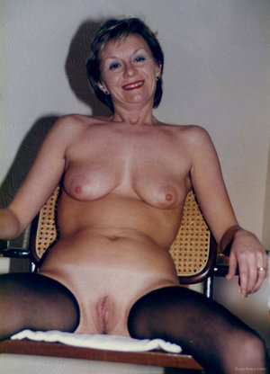 older milf exhibitionist