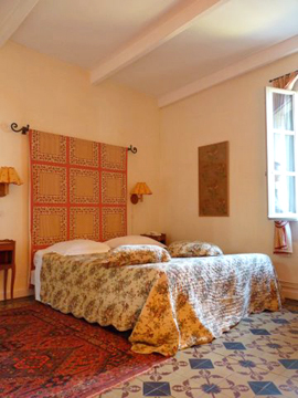 L'Orange bedroom