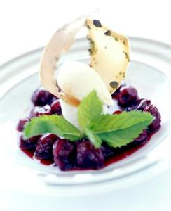 cherries with Porto wine dessert