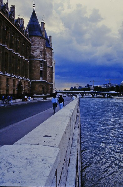 edge of the seine