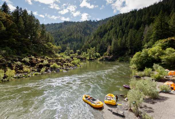 Camping with Paddles and Pints. Photo courtesy of Rogue River Wilderness.