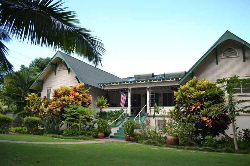 Maui Inn.