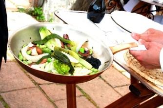 Bastide de Moustiers   Dressage à table   Copyright www.epicuriendusud.com