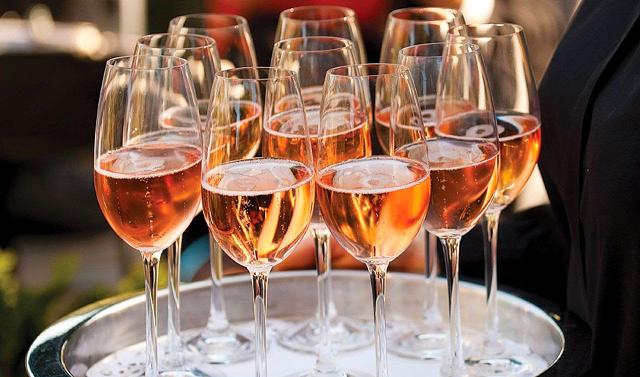 Champagne Rosé | Nos coups de cœur pour l'été 2015 | www.epicuriendusud.com