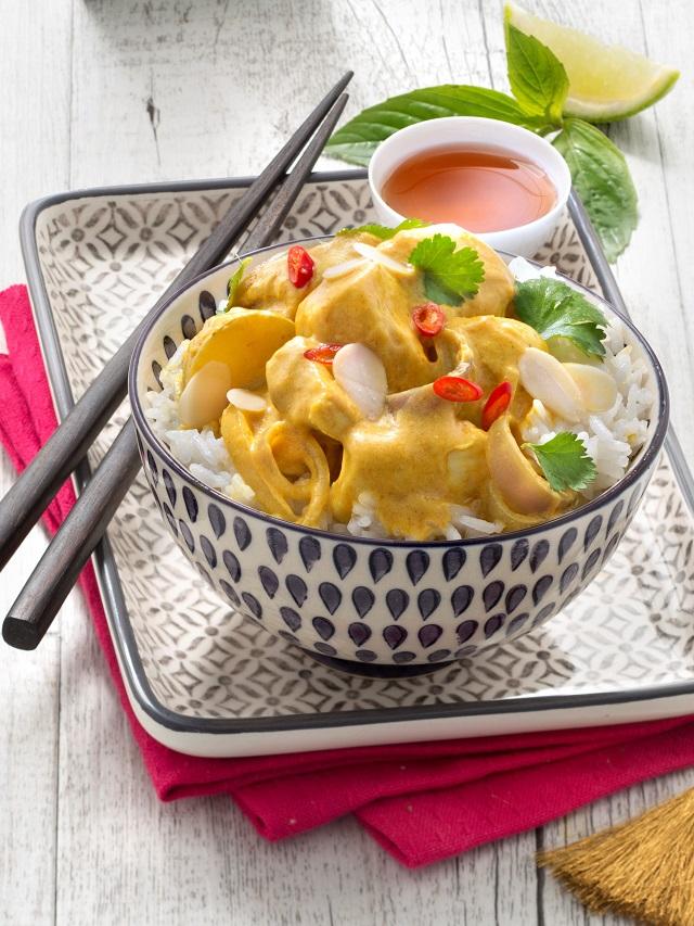 Poulet Gang Ka-Ree Gai (curry jaune au lait de coco) | www.epicuriendusud.com