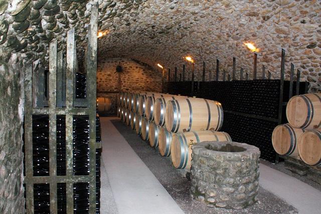 Les caves du Domaine du Moulin à Vinsobres | www.epicuriendusud.com
