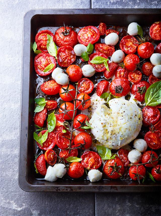 Salade de tomates rôties @ mozzarella di bufala © Julie Méchali/Interfel