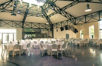Bastide Saint-Julien - La Celle (83) - Salle de réception - www.epicuriendusud.com