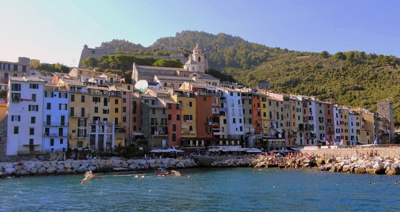 houses-colors-colorful-porto-venere-liguria-italy