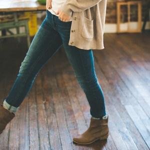 30代のママのファッションで「ダサ」と言われないジーンズのはき方。ショートブーツは便利!