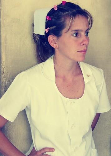 看護師の髪型でロングやミディアムは簡単なヘアピンを使う!