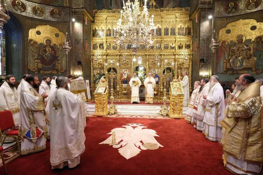 Mai-mulți-ierarhi-s-au-rugat-împreună-cu-Patriarhul-României-la-11-ani-de-la-întronizare-s-13.x71918