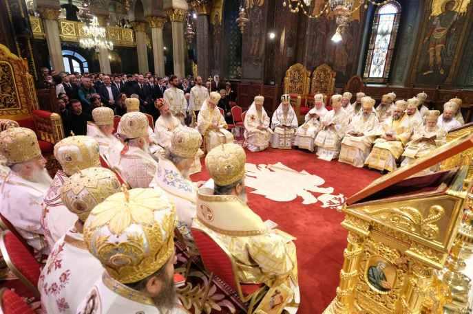 Mai-mulți-ierarhi-s-au-rugat-împreună-cu-Patriarhul-României-la-11-ani-de-la-întronizare-s-7.x71918