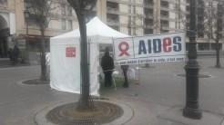 Stand de dépistage du vih aides Gare de Lyon