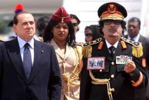 Kaddáfího Amazonky: Nevinné dívky, které slouží ďáblu!
