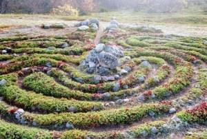Kamenné labyrinty Velkého zaječího ostrova: Kdo a proč je tu před tisíci lety vytvořil?