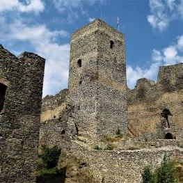 Tajemství zazděného novorozence na hradu Rokštejn