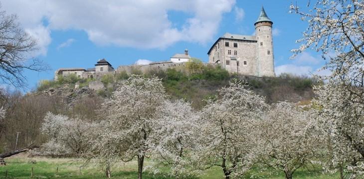 Kunětická hora láká na výhled, hrad i perníkovou chaloupku