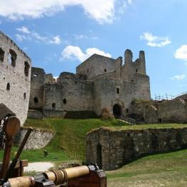 Honba za pokladem na hradě Rabí