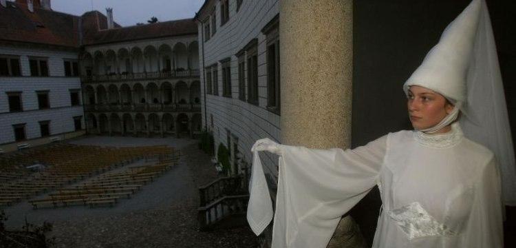 Hrad a zámek Jindřichův Hradec: Noční prohlídky s bílou paní