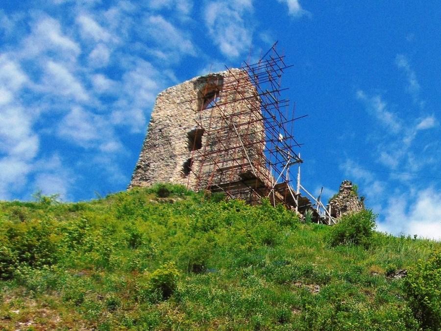 Děsivé tajemství hradu Hanigovce: alchymista jménem Páter smrt