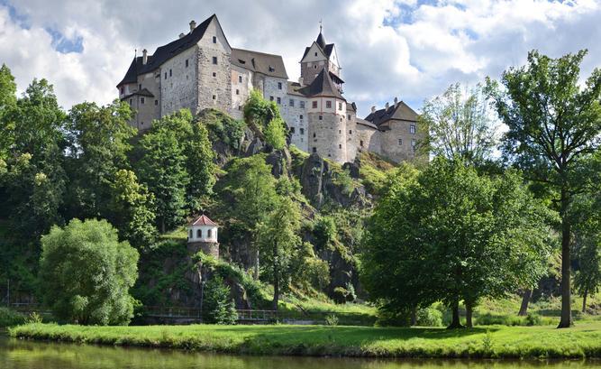 Nedobytný hrad Loket po staletí střežil klíč kČeskému království