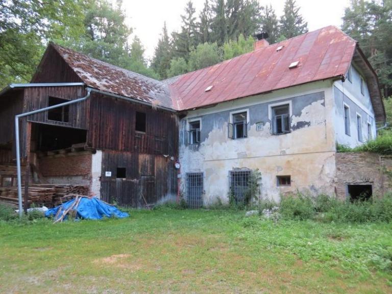 Bývalý vodní mlýn na Šumavě: Je prokletý?