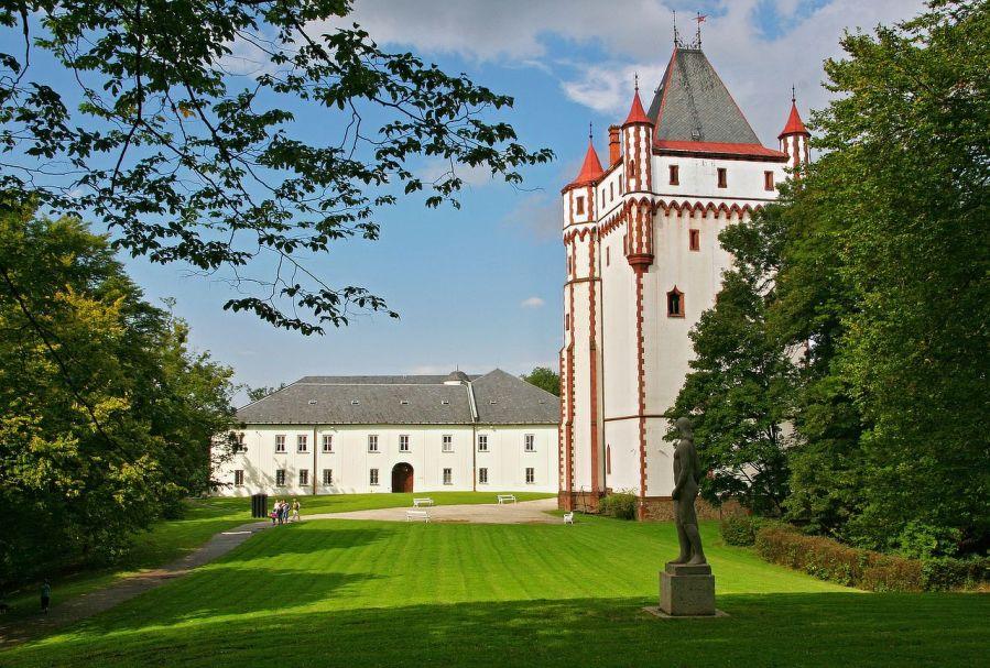 Knížecí rezidence dvou barev: Zámek Hradec nad Moravicí