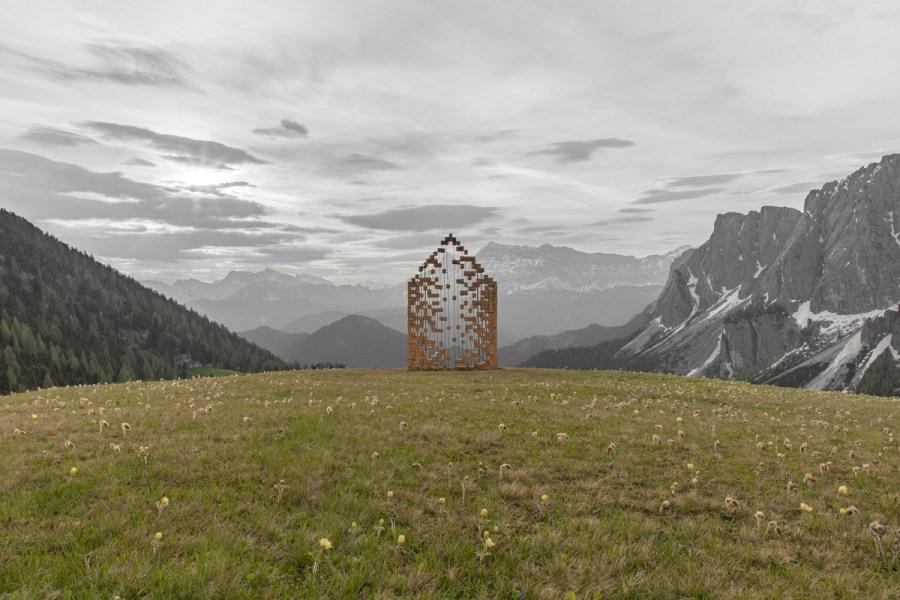 Sbatohem do hor za uměním, to je land-artový festival Smach