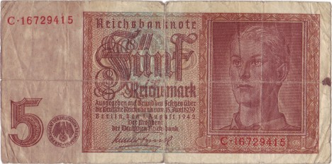 Říšská marka platí i po dobu 2. světové války. Po jejím skončení je ale znehodnocena.
