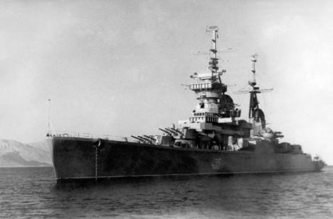 Křižník Ordzhonikidze, ke kterému Crabb zamířil.