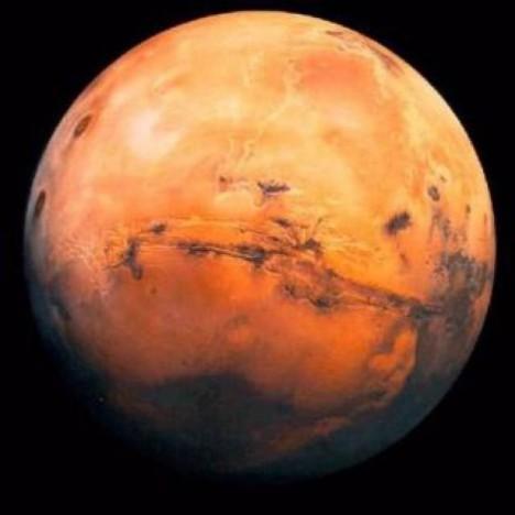 Vybraní zájemci musí před odletem na Mars projít náročným výcvikem.