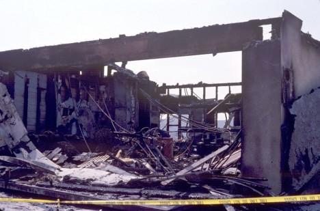 Dům v Glendale zapálený Orrem v roce 1990,