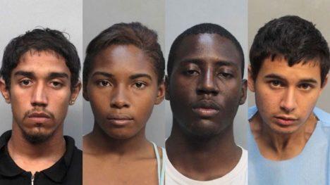 Kaheem Arbelo, Desiray Strickland, Jonathan Lucas a Christian Colon byli zatčeni a obviněni z násilné smrti spolužáka jménem Jose Amaya Guardado.