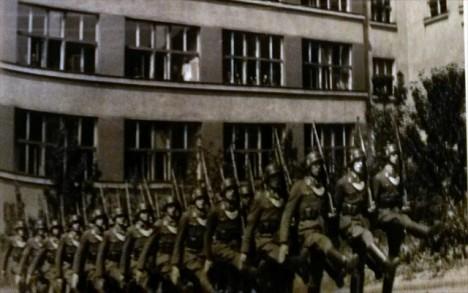 Ke krveprolití na Pražačce došlo v době, kdy už byl Hitler několik dní mrtvý a jeho tisíciletá říše v rozvalinách.