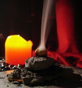 Kadidlo: Oblíbený parfém i zázračná esence na pocuchané nervy
