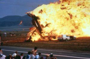 Ramstein: Chyba pilota usmaží v roce 1988 desítky lidí!