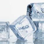 Proč teplá voda zmrzne dřív než studená?