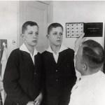 Připomeňte si hrůzné experimenty Anděla smrti Mengeleho