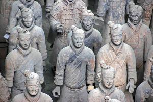 Ochránci císaře, sjednotitele Číny: Našlo se dalších 220 terakotových vojáků