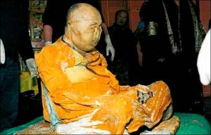 Osvícený Itigilov: Ruský mnich medituje i 93 let po své smrti!