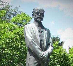 Odjel Antonín Dvořák do Ameriky jenom kvůli penězům?