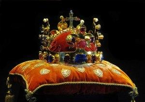 Příběh královské koruny: Byl Svatováclavský klenot v ohrožení kvůli obřím dluhům?