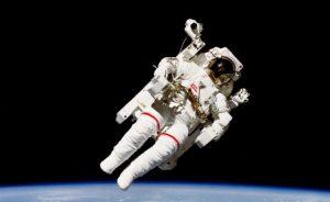 Jak se měnil v průběhu let vesmírný skafandr?