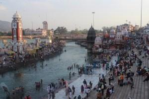 Posvátná řeka Ganga: Očistná koupel pro živé i mrtvé