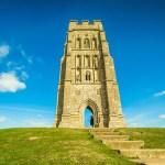Glastonbury: Rudá voda ze zdejšího pramene prý dokáže uzdravovat