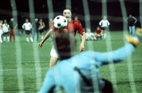 Panenka chips the winning penalty over Maier in the shoot-out. Czechoslovakia v West Germany, European Nations Cup Final 1976. Credit: Colorsport/ Olympia.