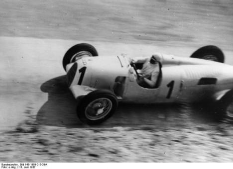 Nürburgring, Bernd Rosemeyer in Rennwagen