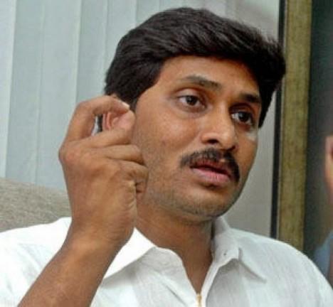 Indický lékař Jagan Mohan.