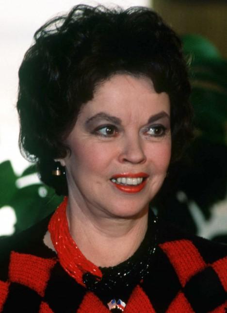V letech 1989 až 1993 působila Shirley Templeová jako velvyslankyně USA v Praze.